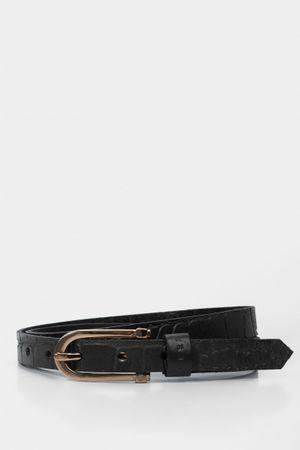 Cinturón unifaz de cuero grabado croco